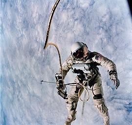 astronaut,earth,edward,h,white,fly,gemini,gemini,titan-c19775c397ea7bbf1ef7a10e5f56d548_h.jpg