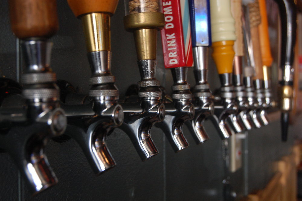 Cathouse Pizza Beer Taps