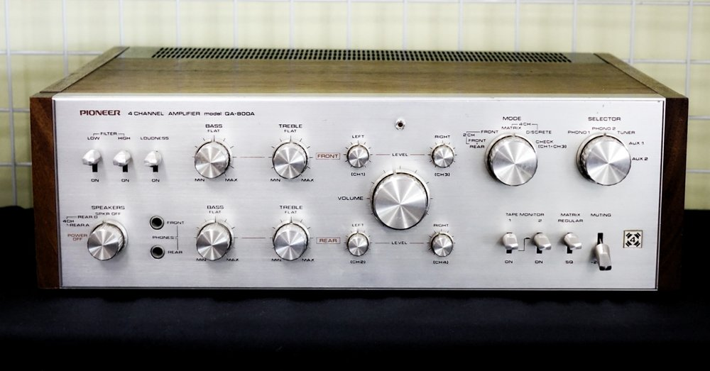 Pioneer QA-800A Quad Amp   VERY RARE  Power output: 27W/ch into 8Ω (stereo), 20W/ch into 8Ω (quadraphonic) Frequency response: 15Hz to 50kHz Total harmonic distortion: 0.5% Damping factor: 40 Input sensitivity: 2.5mV (MM), 200mV (line) Signal to noise ratio: 80dB (MM), 90dB (line) Output: 200mV (line), 0.5V (Pre out) Speaker load impedance: 4Ω to 16Ω Semiconductors: 2 x FET, 65 x transistors, 15 x diodes Dimensions: 430 x 138 x 337mm Weight: 10.9kg  $650