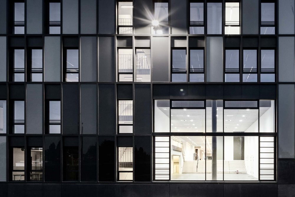 Fachhochschule-Bielefeld-Fassade.jpg
