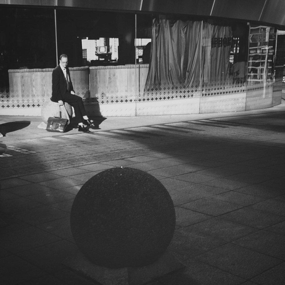Mueseum of Humans Waiting (on balls)