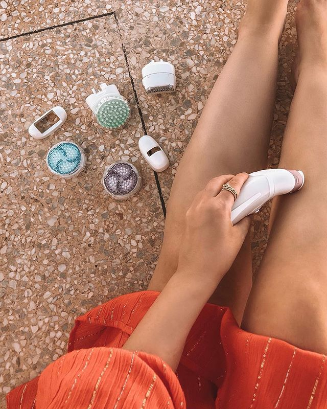 // I collaborated with @braun_beauty to test out their Silk Epil 9 SkinSpa, an all-in-one skin epilator, massager, exfoliator and razor. The SensoSmart technology controls how much pressure is applied when epilating, which really helps reduce pain! The defoliators helps prevent ingrown hairs and the massage head makes your skin smooth. Save a lot of time & effort AND have a salon quality experience! . Read my full review on the blog (link in bio & link to shop the Silk Epil 9 SkinSpa in stories) . For a period of 100 days you can decide to give back the product and get a full refund . Cashback: between 1/10/2018 - 21/12/2018 you get €30 back when you buy a silk Epil 9 . #braunbeauty #silkepil9skinspa #ad ⠀⠀⠀⠀⠀⠀⠀⠀⠀⠀⠀⠀ ⠀⠀⠀⠀⠀⠀⠀⠀⠀⠀⠀⠀ ⠀⠀⠀⠀⠀⠀⠀⠀⠀⠀⠀⠀ ⠀⠀⠀⠀⠀⠀⠀⠀⠀⠀⠀⠀ ⠀⠀⠀⠀⠀⠀⠀⠀⠀⠀⠀⠀ ⠀⠀⠀⠀⠀⠀⠀⠀⠀⠀⠀⠀ #morocco #fashion  #moroccan #outfit  #summer #travelblogger #fez #ootd #belgium #dutchblogger #belgianblogger #fes #casablanca #travelmorocco #gent #marrakech #beauty #ghent #antwerp #brussels #legs #skincare #wellness #spa #shower