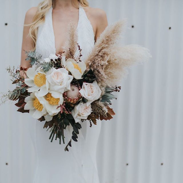 🥀 my girl @rose.and.bud created this delicious bouquet for our styled shoot which is featured on @nouba_blog (link in bio) ♥️ _______________________________________________ TEAM DETAILS Photographer: @samanthasimonepereira Coordination and Styling: @brankat Blooms: @rose.and.bud Dress: @sairkellydesigns Makeup: @taylahjacksonmua Hair: @chevellhaleyhair Tableware: @alatablerentals Hire furniture: @heart_strings_hire_n_style Lighting: @festoonlightingperth Cake: @thecakeandi Stationary: @paigetuzee_designs Model: @zara.holman