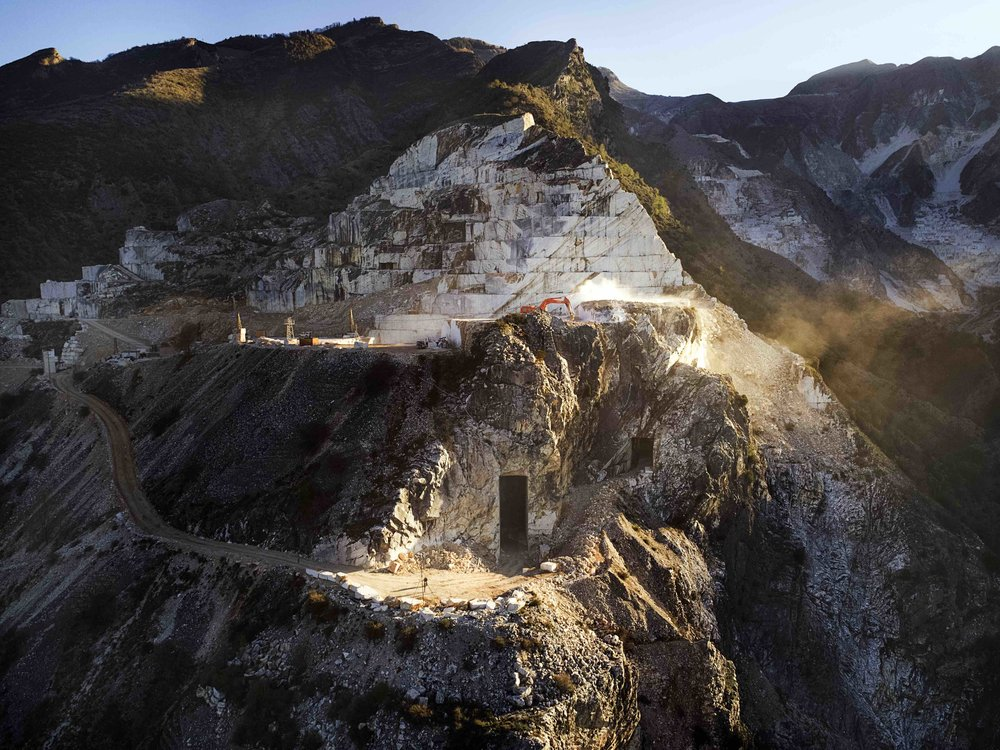 WHITE GOLD, THE MAJESTIC MARBLE QUARRIES OF NORTHERN ITALY