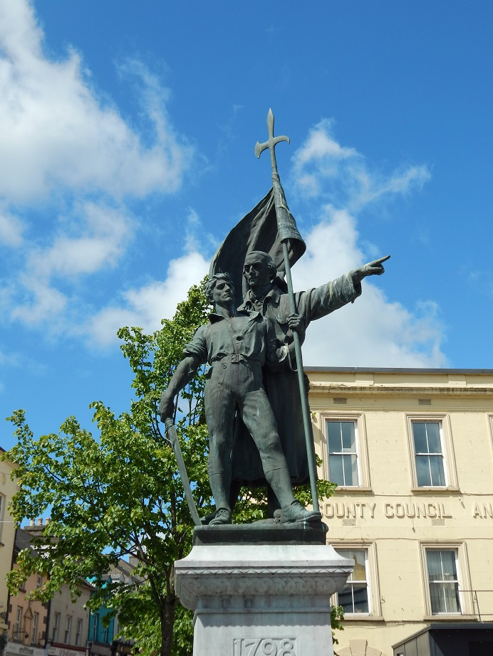 Father John Murphy with Pikeman Thomas Sinnott in a 1908 statue by Oliver Sheppard, Enniscorthy, County Wexford, Ireland