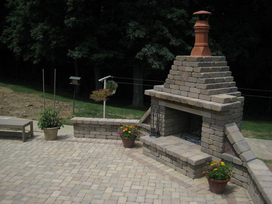 Caradaras Outdoor Fire Place