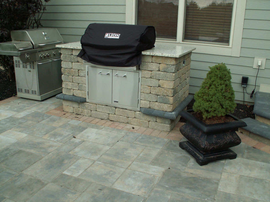 Brookshire Built-In Grill