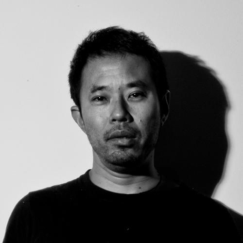 清川 進也 | Shinya Kiyokawa 作曲家 音楽監督 環境音を楽曲として再構築していく音楽技法(サンプリング)を得意とし、自ら映像撮影と録音を同時に行いながら収録した環境音素材を用いて音楽作品を作り続けている音楽監督。 広告作品を中心に形にとらわれない様々な音楽表現を行い、『拡張音楽』をコンセプトに音楽の新たな可能性を自己の創作活動の場を用いて追求している。 作品集はこちら