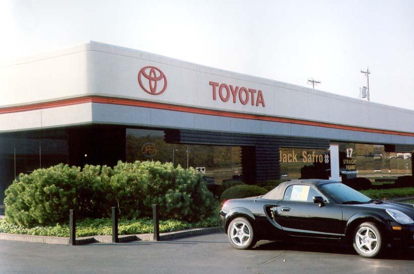 Safro-Toyota-00.jpg