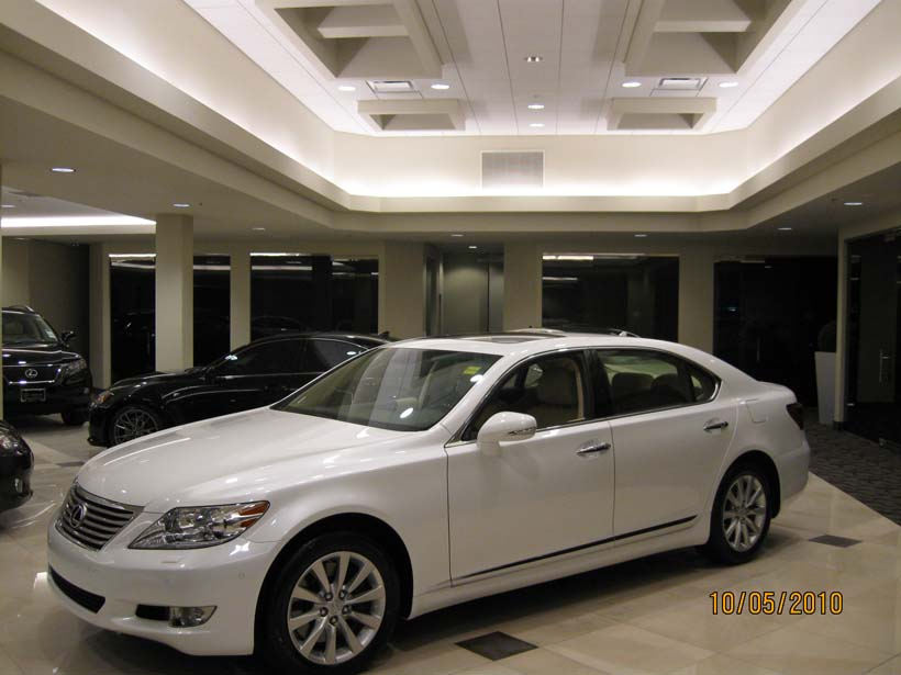 Lexus-of-Brookfield-06.jpg