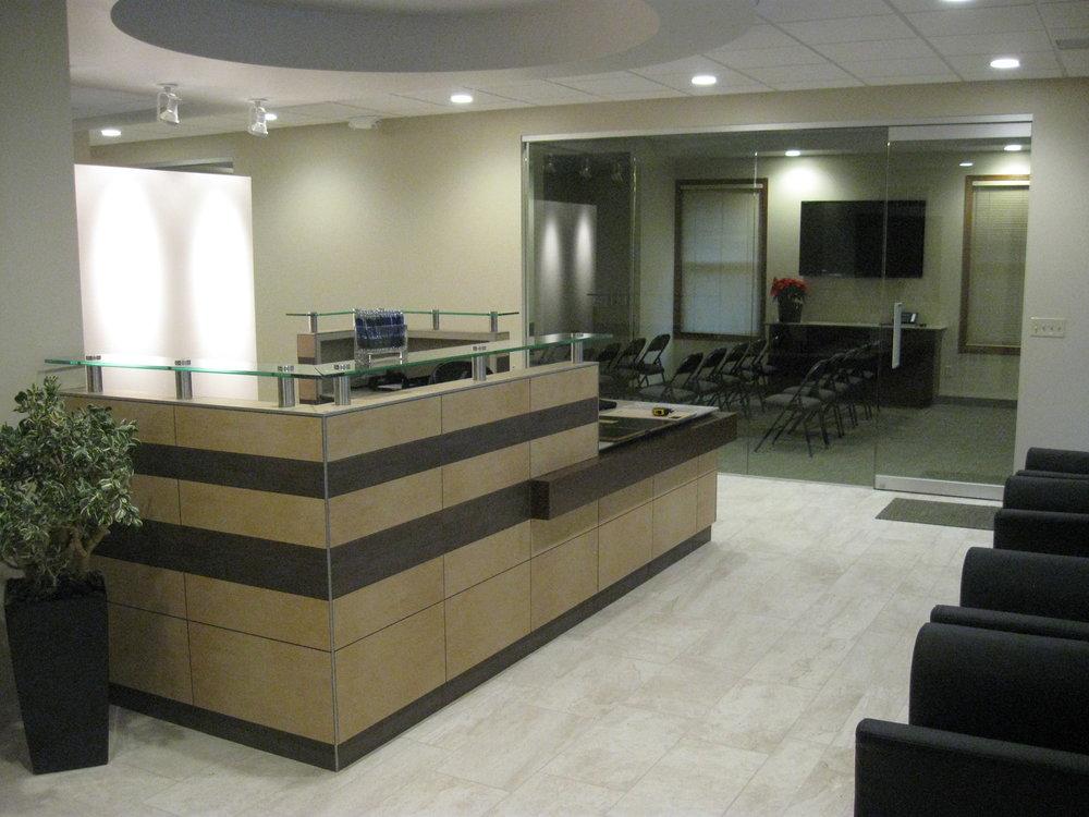 Annex - Mequon Front Desk.JPG