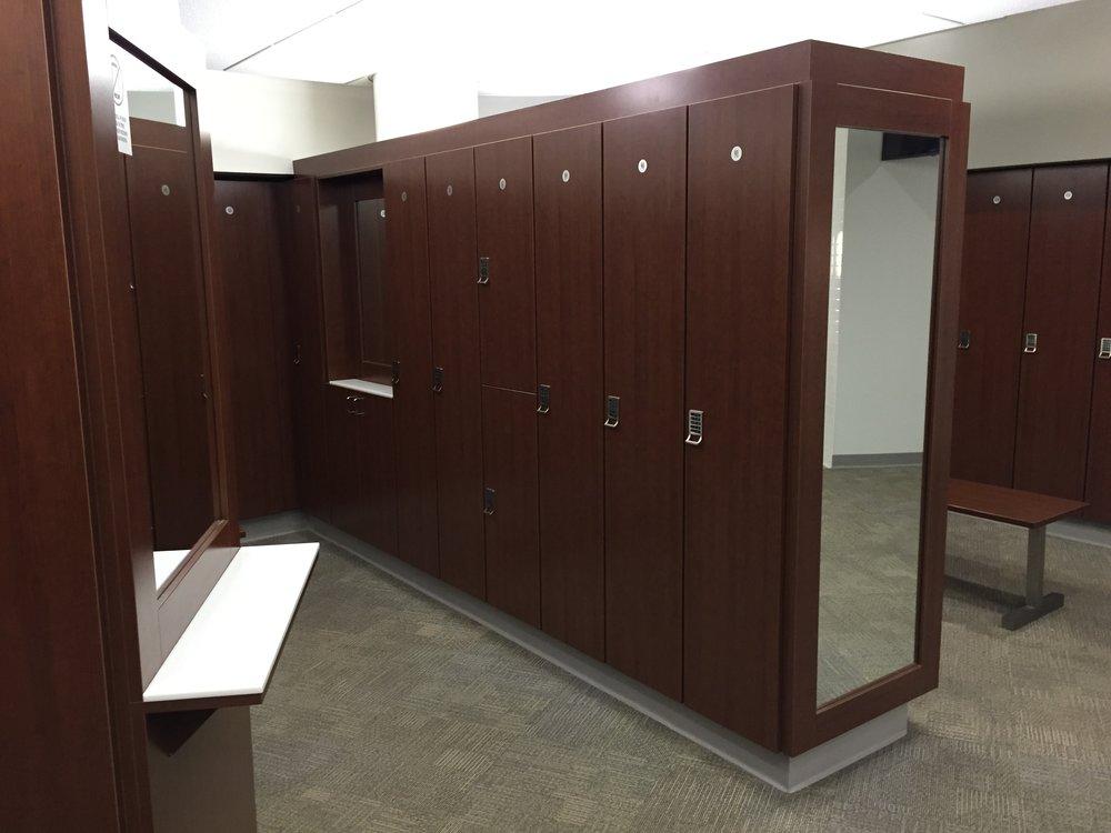 Elite locker room 008.jpg