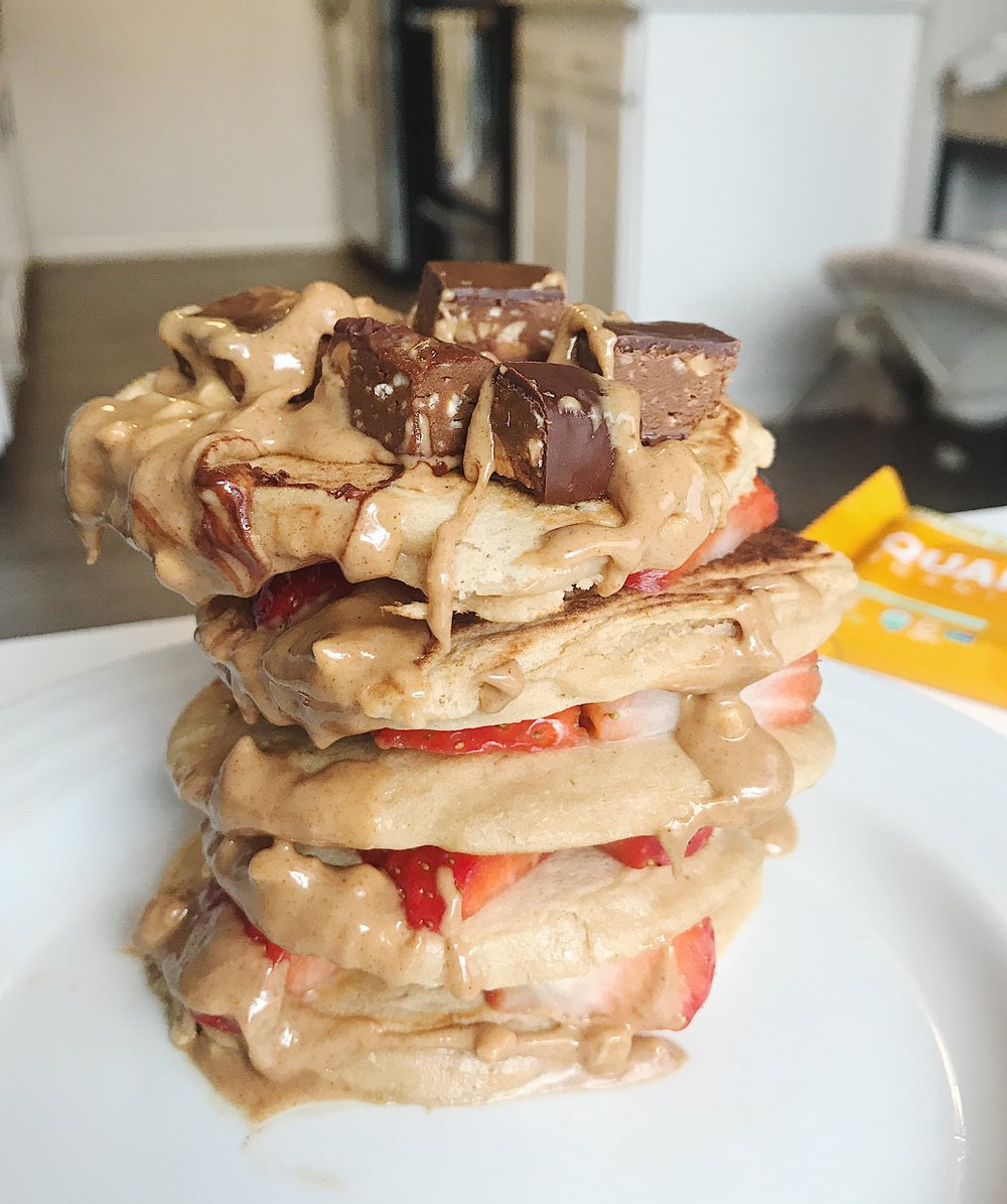 Chocolate & Peanut Butter Stacked Pancakes || goodfortheswole.com