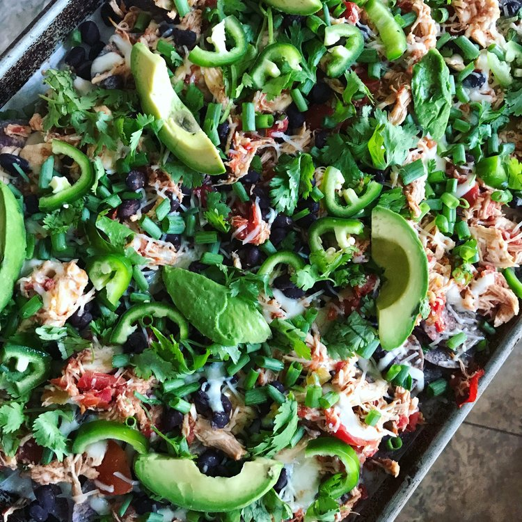 Loaded Chicken Nachos || goodfortheswole.com