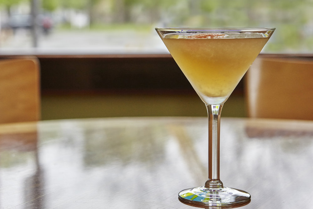 CockTails_Peace_bar_relax_Italian_martinis_mix.jpg