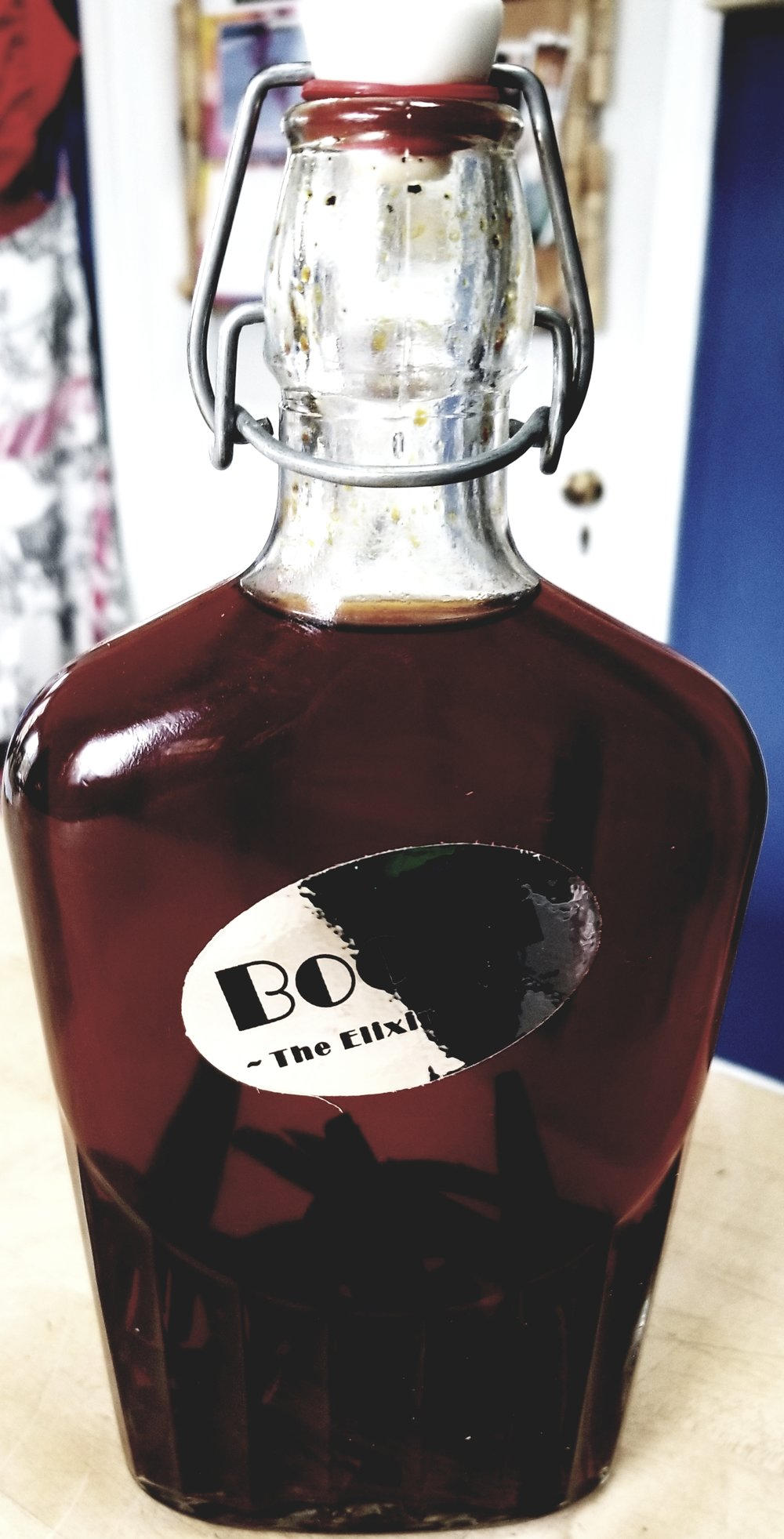 Vanilla beans and BooZi treated Vodka for 8 weeks = Pure Vanilla extract