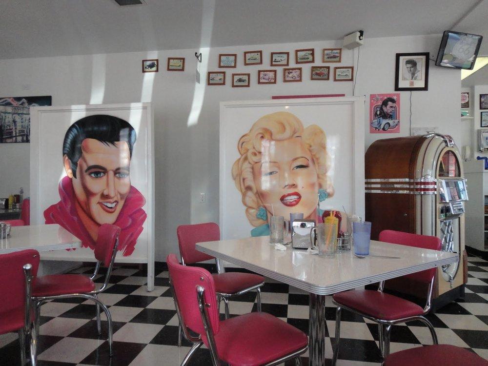 Mr D'z Route 66 diner, Kingman, AZ
