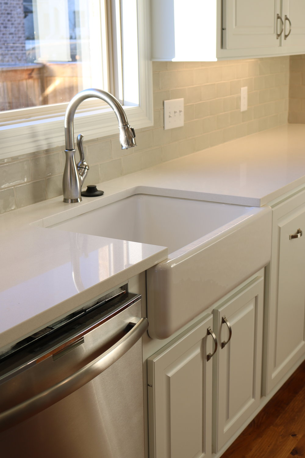 Creamy Froth with Farmhouse Sink, Ridgeland, MS