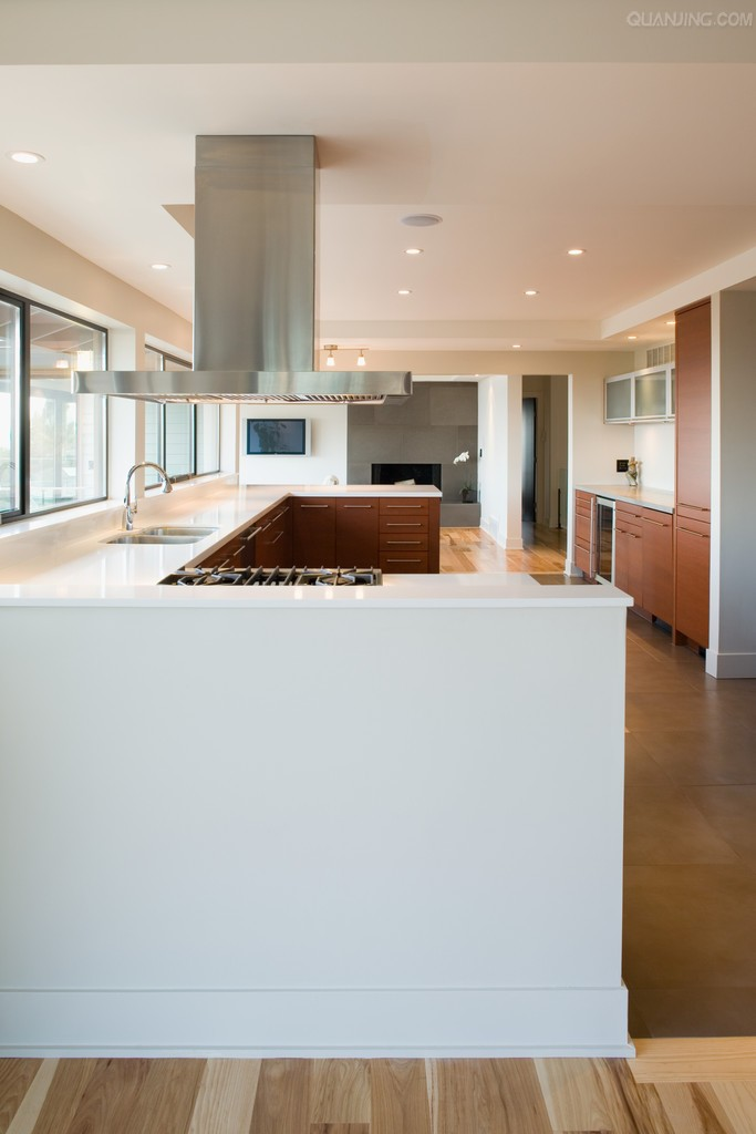 Durasein  Recognized by top international designers, DURASEIN® pure acrylic solid surface is sought after for a wide variety of commercial spaces. Durasein has a wide palette of colors and the unique ability for color matching and superior offerings of sizes and shapes.