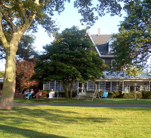 Front of Riverview Estates