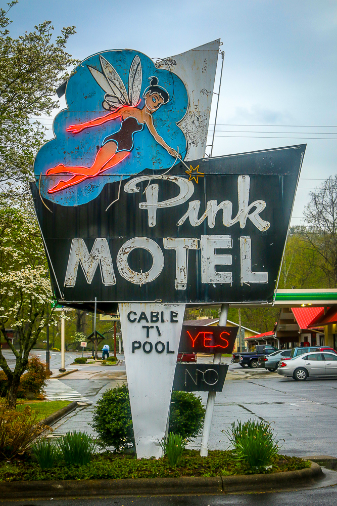 Cool Retro Sign in Cherokee