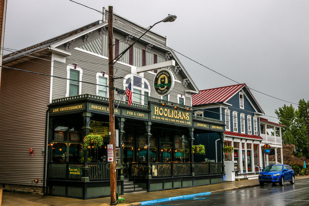 Hooligans Irish Bar