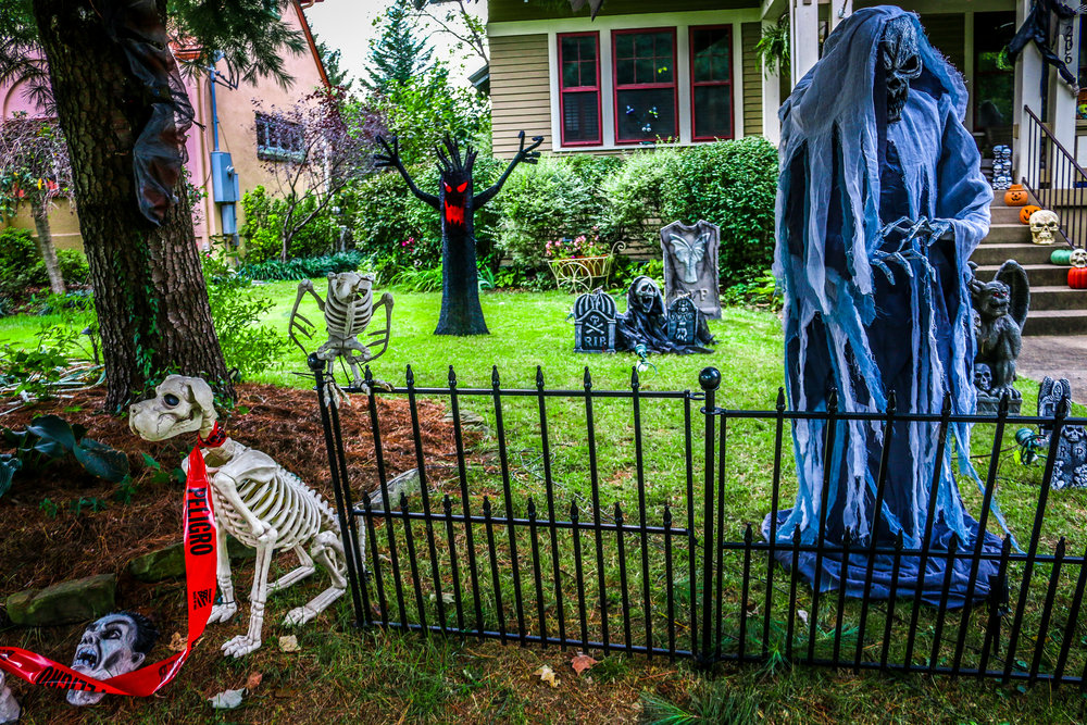 Halloween Decorations Hillcrest Louisville Kentucky