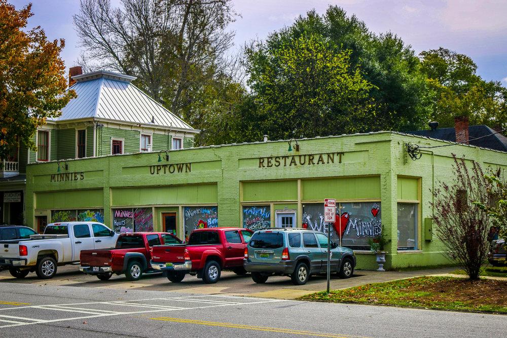 Minnie's Uptown Restaurant