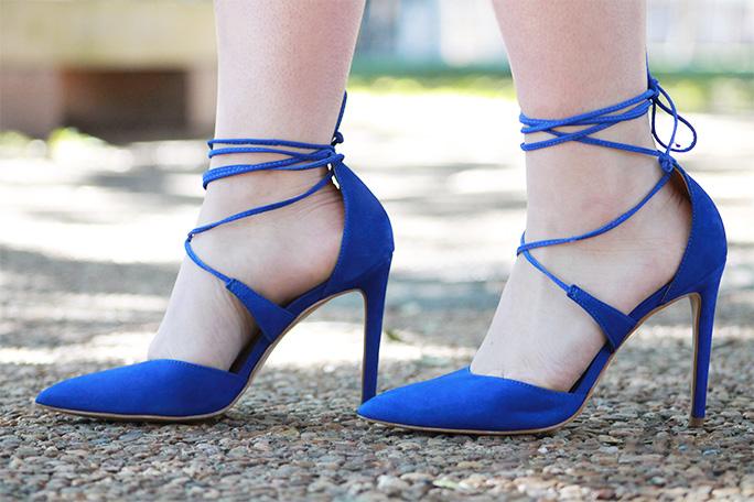 Alexis chevron dress with Steve Madden cobalt heels