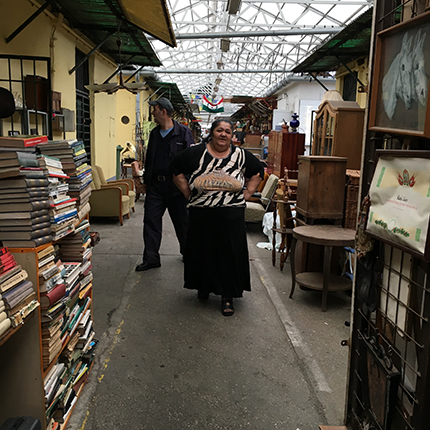 Flea Market in Budapest5.png