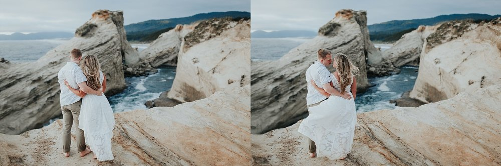 Lincoln City Oregon Coast engagement Photographer (16).jpg