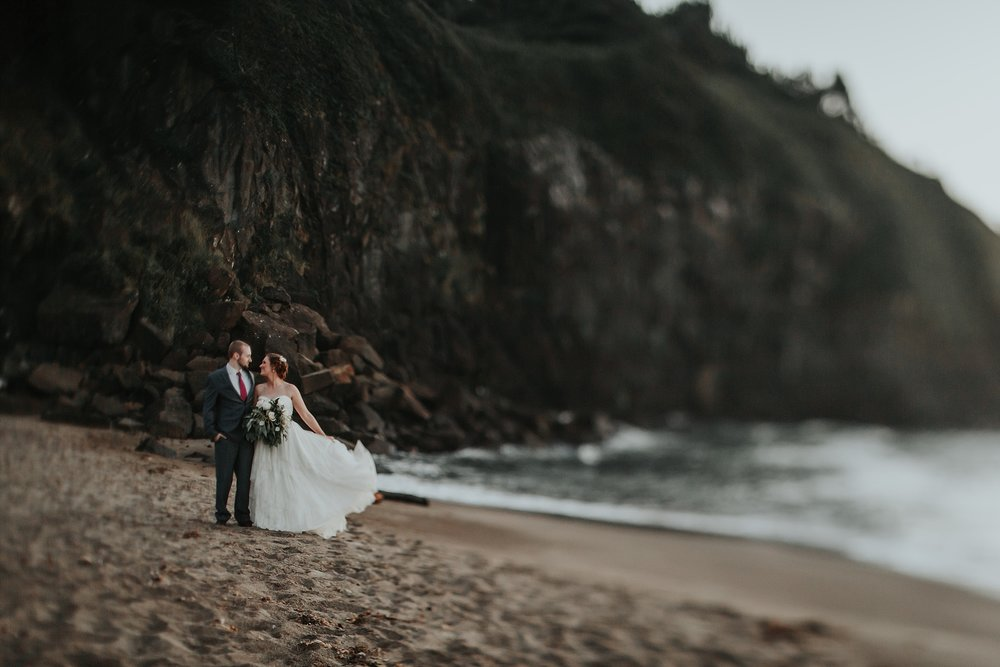 Oregon Coast Elopement Photographer (36).jpg