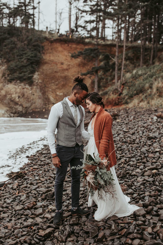 Oregon Engagement and elopement photographers (51).jpg