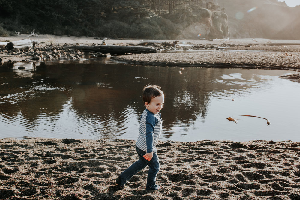 Oregon Coast Family Photographer (2).jpg