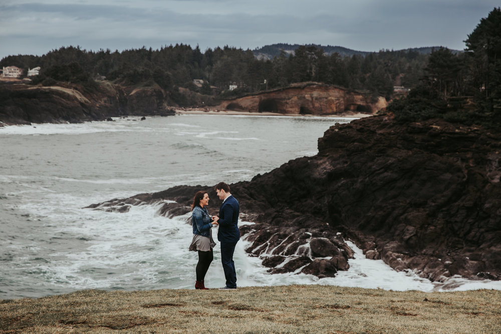 Oregon Coast Wedding Photographers (9).jpg