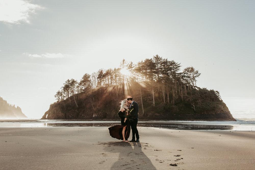 Oregon Coast Wedding Photographer (8).jpg