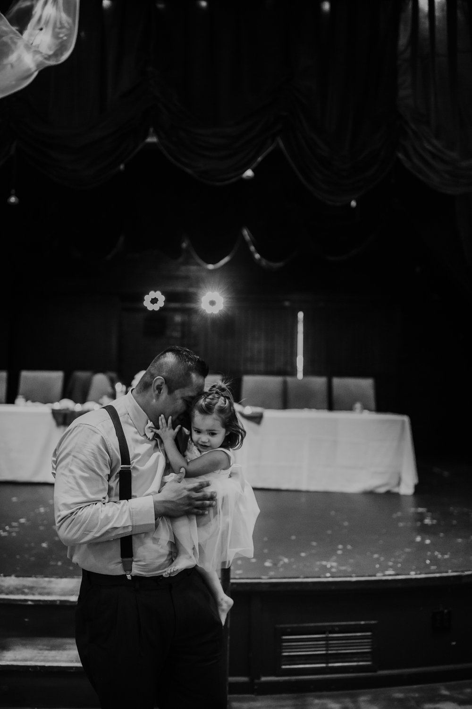 Oregon coast Wedding Photographer // Lincoln City, Oregon // Side Door Cafe // Eden Hall // Gleneden Beach, Or