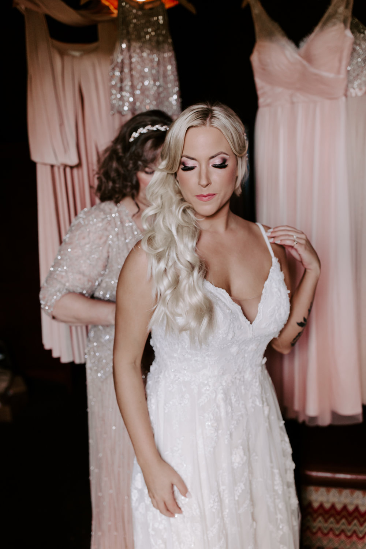 Rustic Bloom Photography | Wedding Hair Inspiration | Oregon Wedding Venue