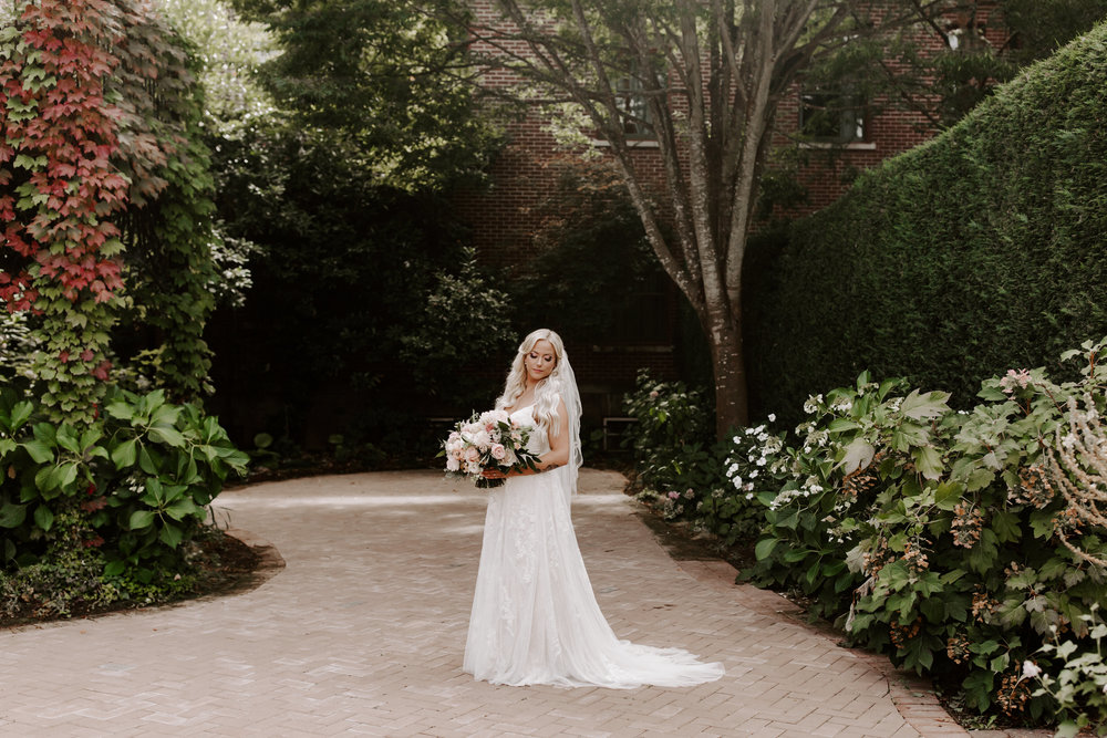 Rustic Bloom Photography | Wedding Dress Inspiration | Oregon Wedding Photographer