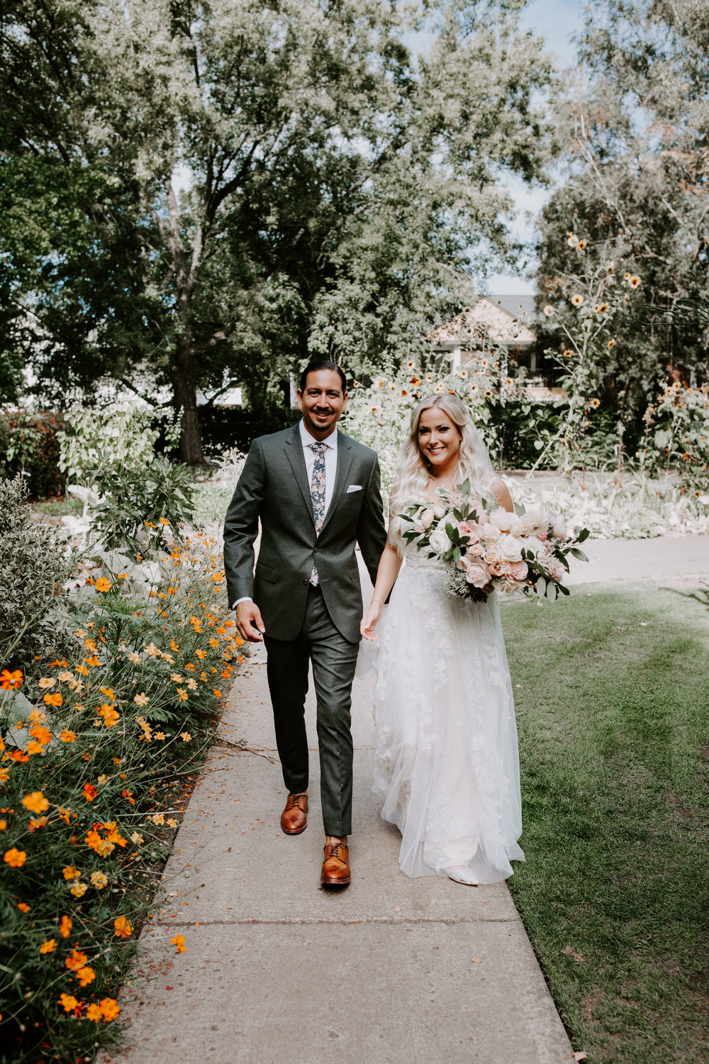 Rustic Bloom Photography | Bride and Groom Inspiration | Oregon Wedding Photographer