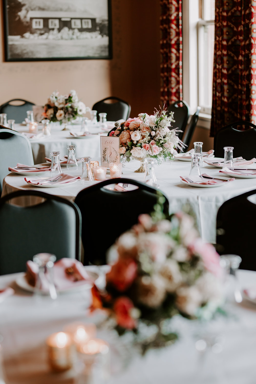 Rustic Bloom Photography |  McMenamins Grand Lodge | Reception Table Inspiration