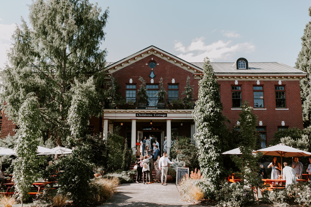 Rustic Bloom Photography | McMcenamins Grand Lodge | Oregon Wedding Venue