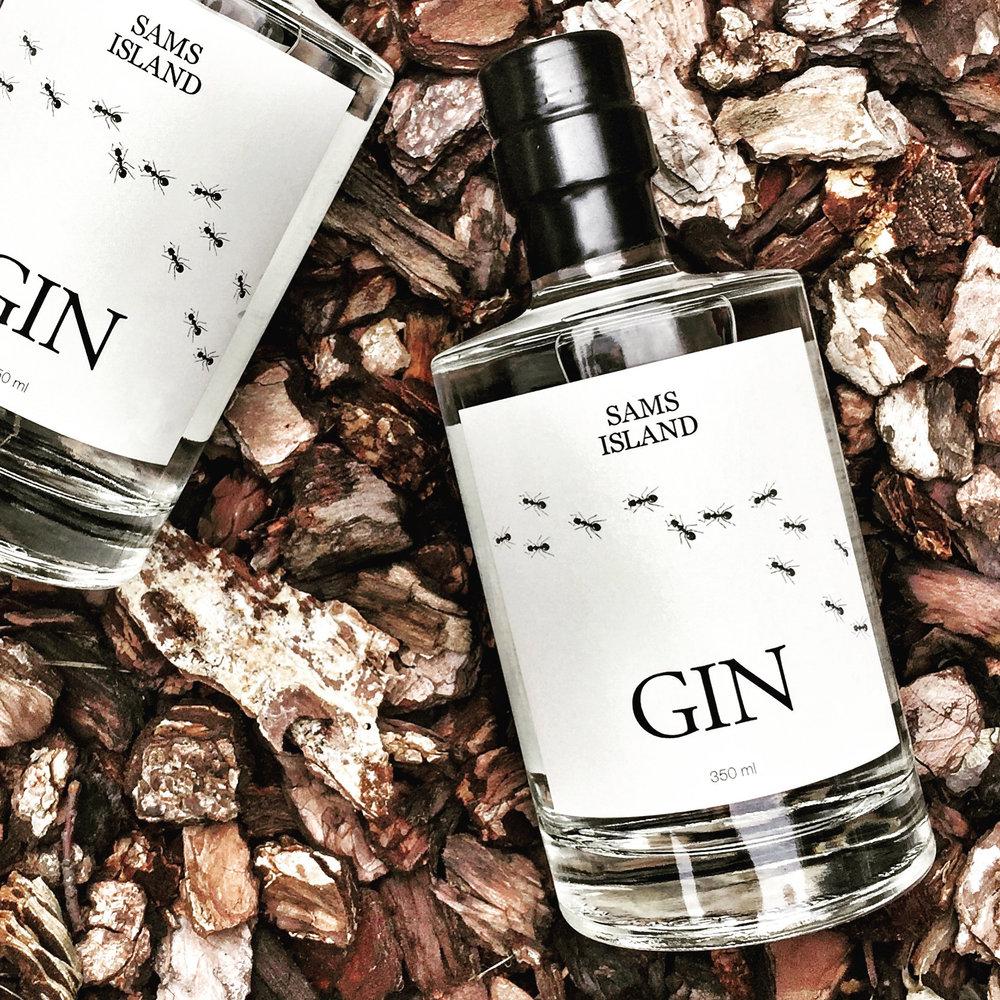 Sams Island Gin 2-Dennis Lindberg Jensen.jpg