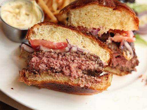 20130422-maison-harlem-burger-sandwiches-06.jpg
