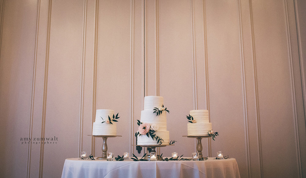 Dallas Scottish Rite Library and Museum wedding Crystal ballroom wedding cakes