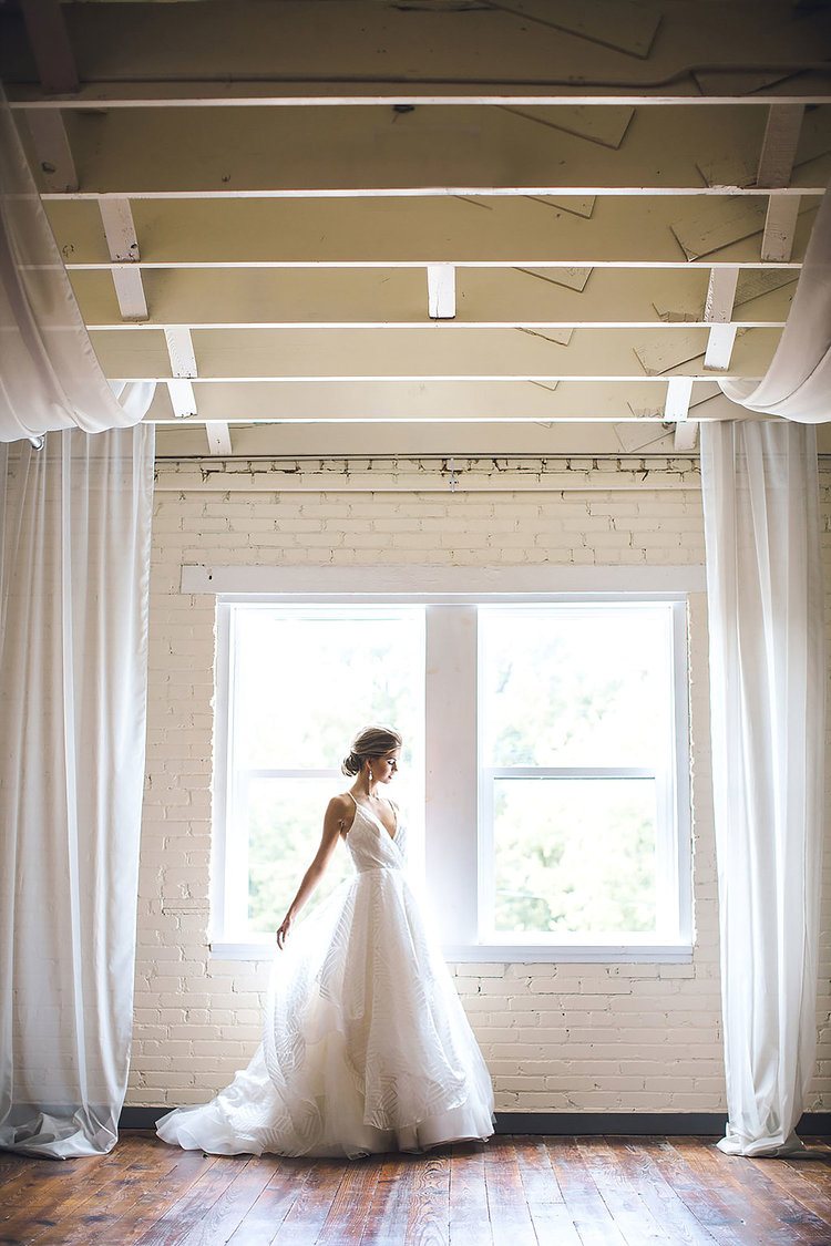 BRIK VENUE | SOUTHERN INDUSTRIAL STYLED SHOOT | BRIDES OF NORTH ...