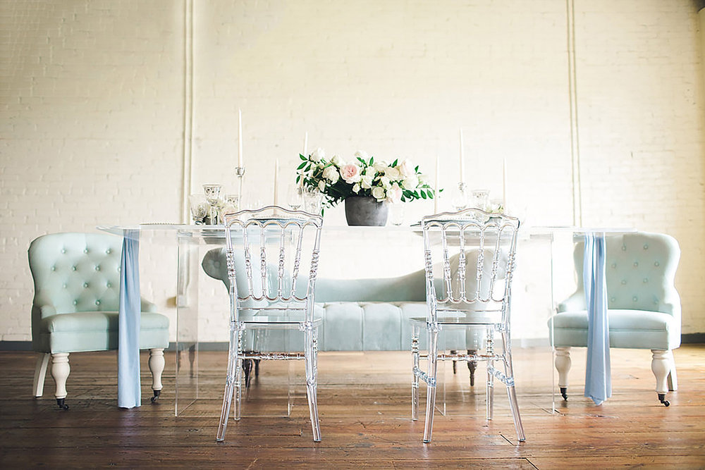 Table top feature with Bride of North Texas Southern Industrial acrylic table and dusty blue chairs