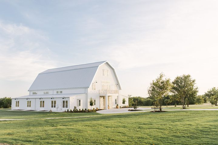THE NEST AT RUTH FARMS DENTON WEDDING VENUE | DFW WEDDING VENUE