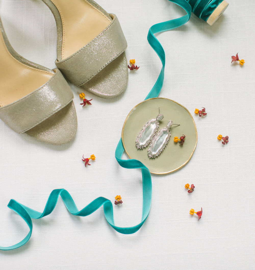 tan wedding shoes and kendra scott wedding earings