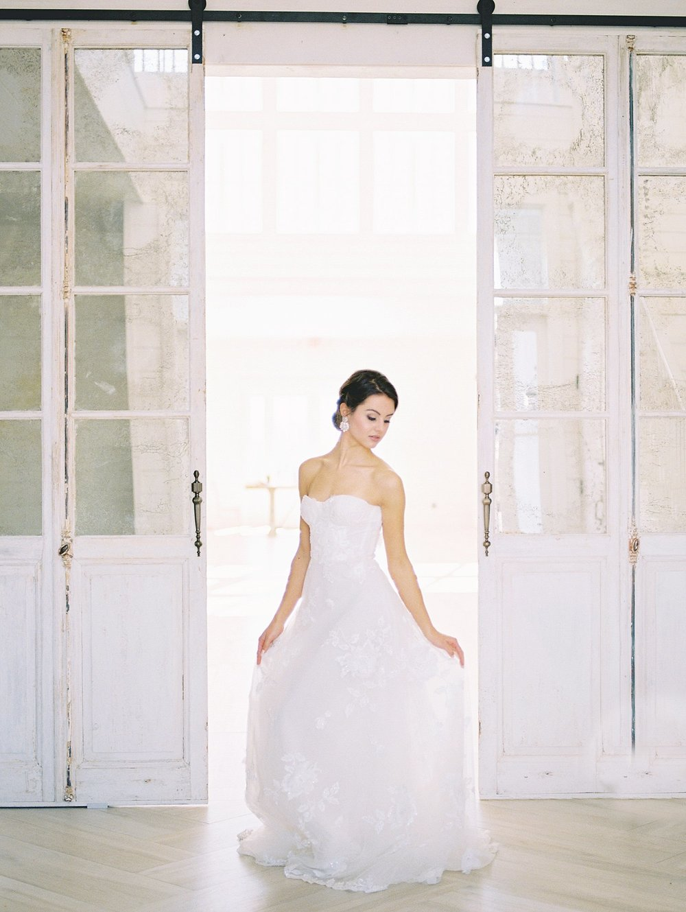 Bridals with antique farm doors